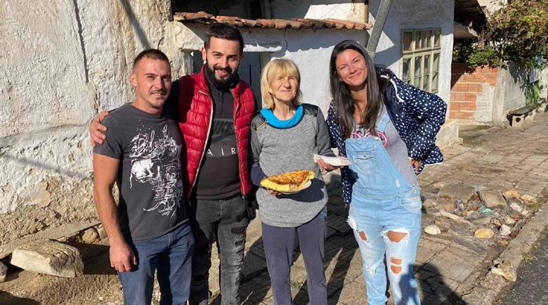 Кюстендилец дари 50 тона картофи на бедни и социално слаби