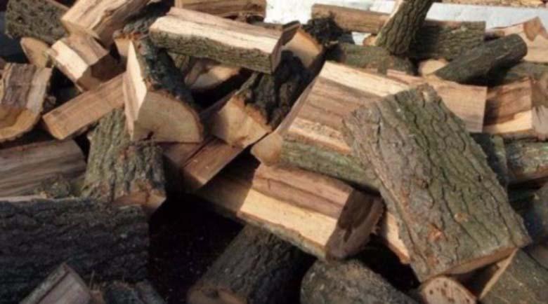 Когато семейният бюджет налага отопление на дърва