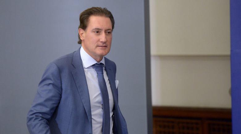 Илиян Василев: Домусчиев е обслужващ персонал на властта и дискредитира всички в КРИБ