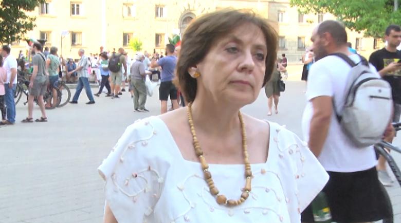Ренета Инджова: Дълго ще останем с клеймото на страна, отгледала такъв екземпляр