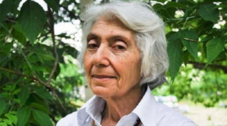 Как руската лечителка Марва Оганян вдига болни на крака