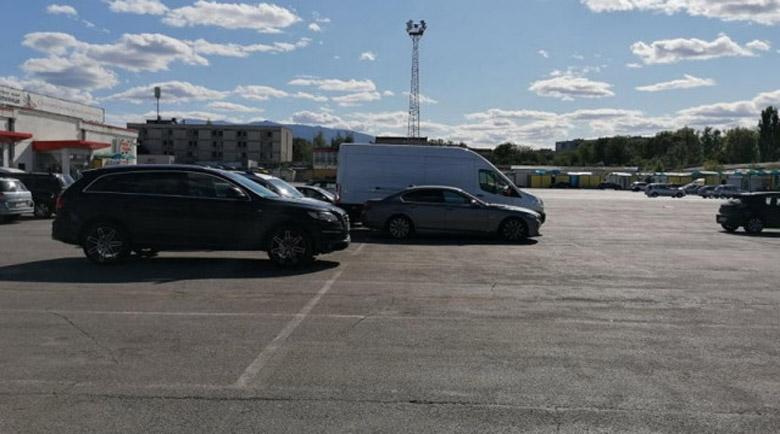 Разследват трагедията с прегазеното 2-годишно дете на паркинг