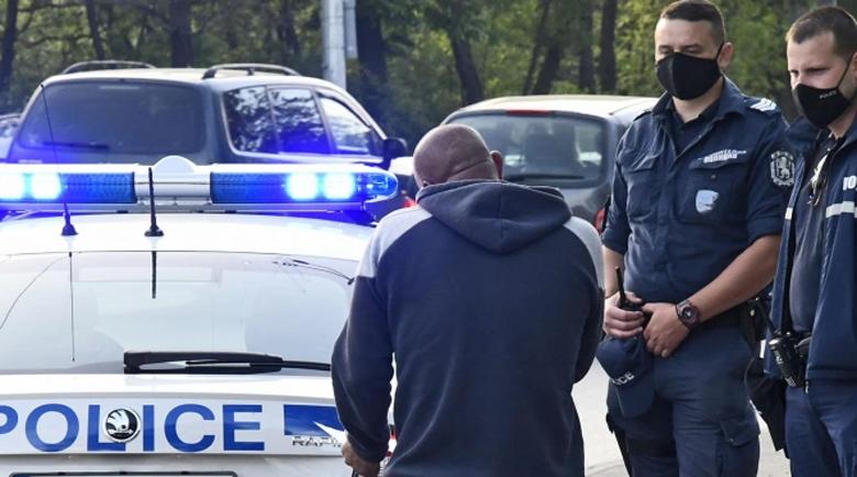Полицаите готови за протести, ако заплатите им не бъдат увеличени от януари