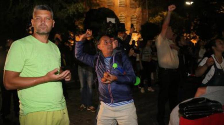 """И сградата на Столична община """"отнесе"""" яйцата на протестиращите"""