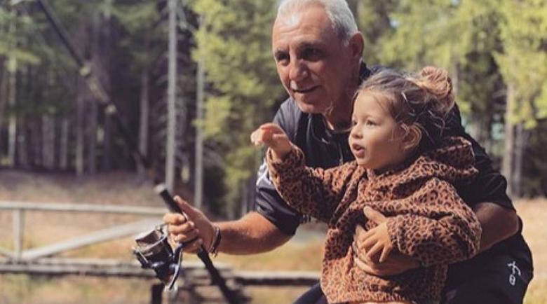 Христо Стоичков заведе внучка си на риба