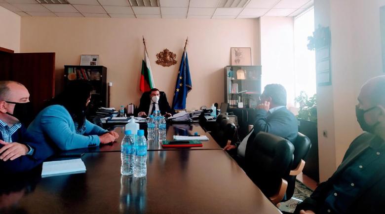Министър Ангелов: Засилваме контрола в дискотеките и в нощните клубове