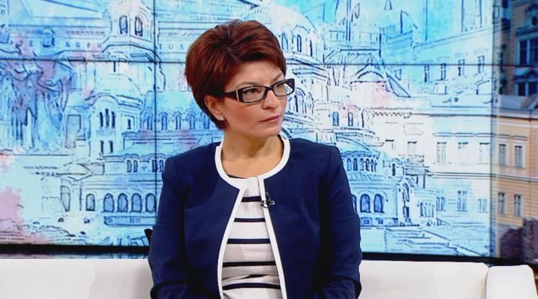 Десислава Атанасова: Трифонов да каже дали ще подкрепи мажоритарната система