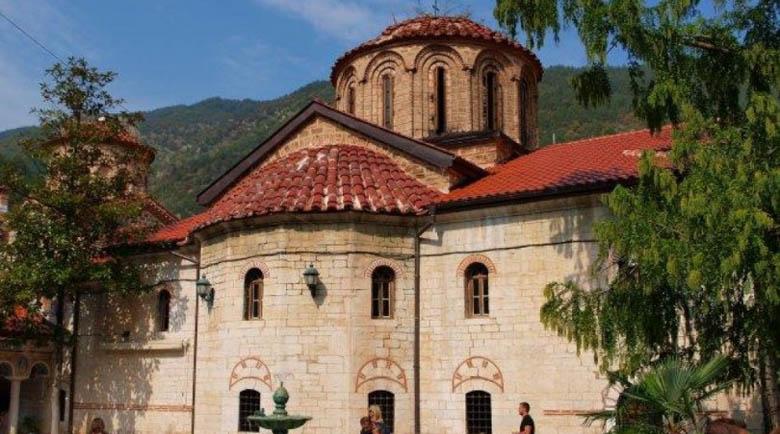 Ново чудо! Болна от рак се излекува в Бачковския манастир