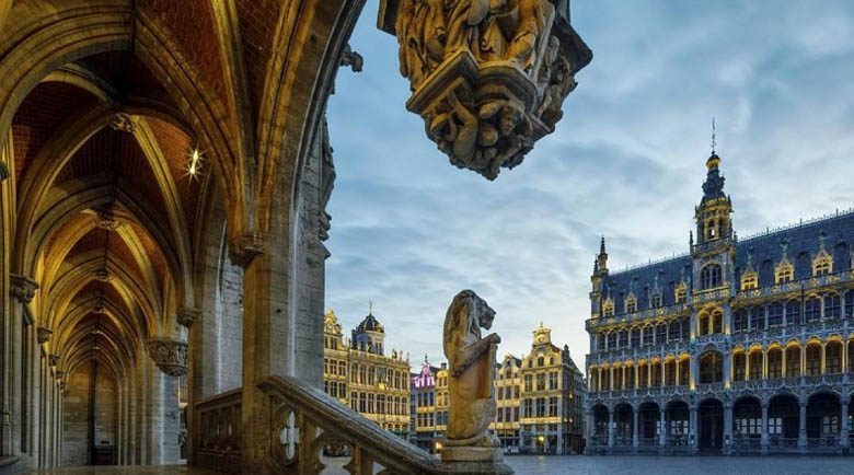 Полицейски час в Брюксел, магазините ще работят до 20 часа