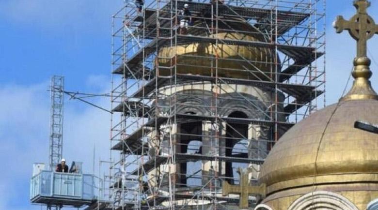 Частен дарител позлатява куполите на Варненската катедрала