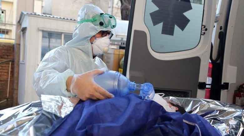 Чехия започва строеж на полеви болници, 10 000 са заразените само за ден