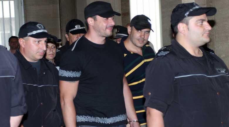 8 души от бандата на чуковете осъдени, отиват в затвора