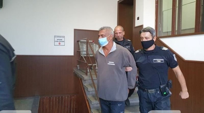 Циганинът, пребил до смърт жена си в Шекера, остава в ареста