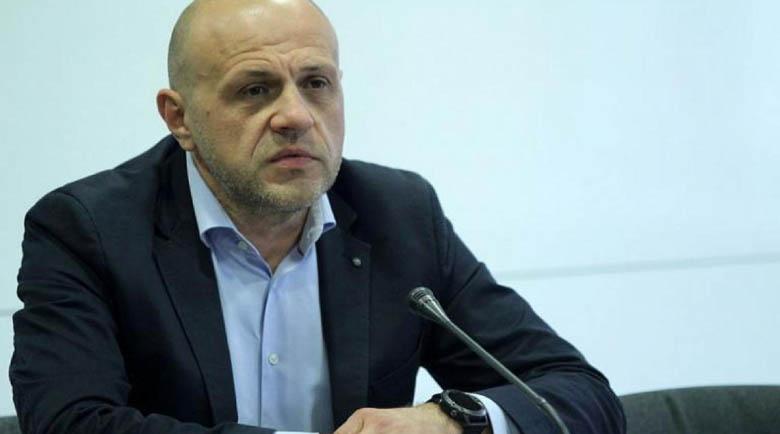 """Дончев: Има не една позиция за подкрепа на правителството за инициативата """"Три морета"""""""