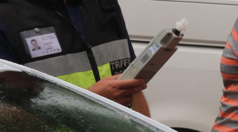 Спипаха шофьор с баничарка на 2,74 промила