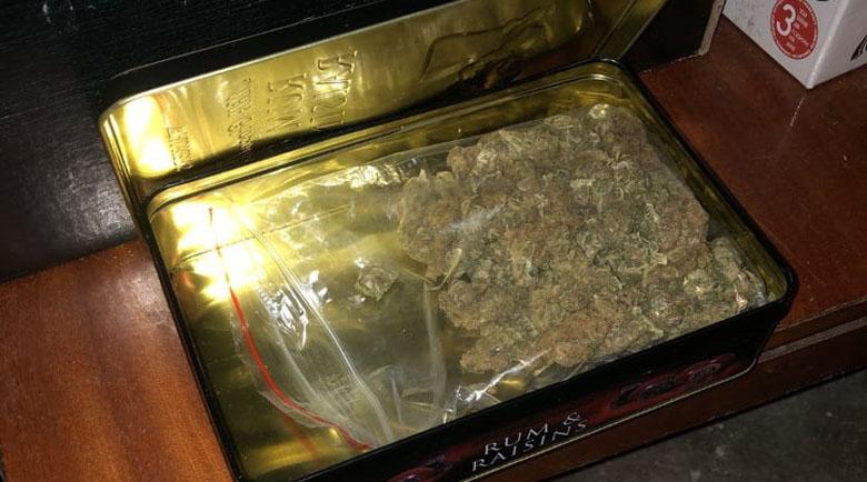 15-годишен ученик е арестуван за пласиране на дрога в школо