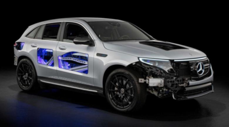Mercedes-Benz направи прозрачен електрическия EQC