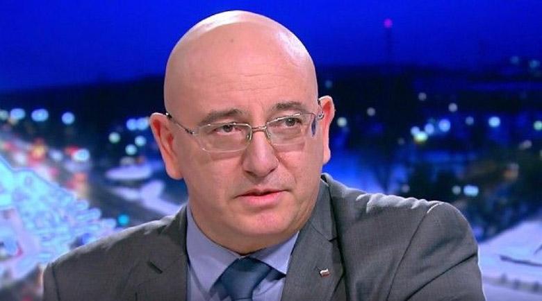 Министър Димитров: Не може всеки да дупчи за кладенци, където му дойде