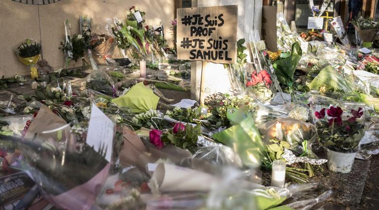 Убиецът на френския учител качил Туитър снимка на тялото му и послание