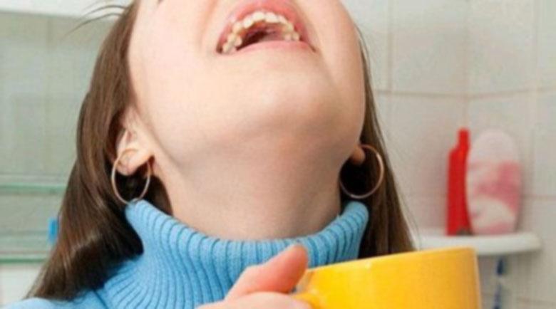 Скоростно пресичане на силните болки в гърлото с оцет и сол
