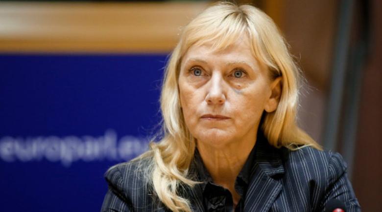 Йончева: ГЕРБ си отива, но битката с корупцията тепърва започва