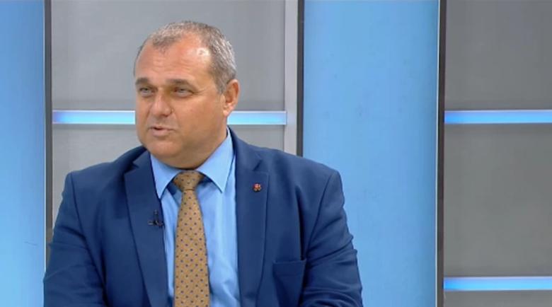 Искрен Веселинов: Резолюцията клевети и поставя петно върху България