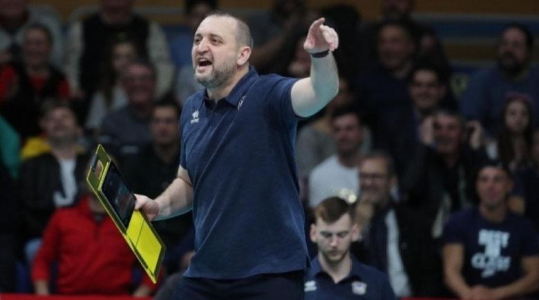 Иван Петков пое украинския шампион по волейбол