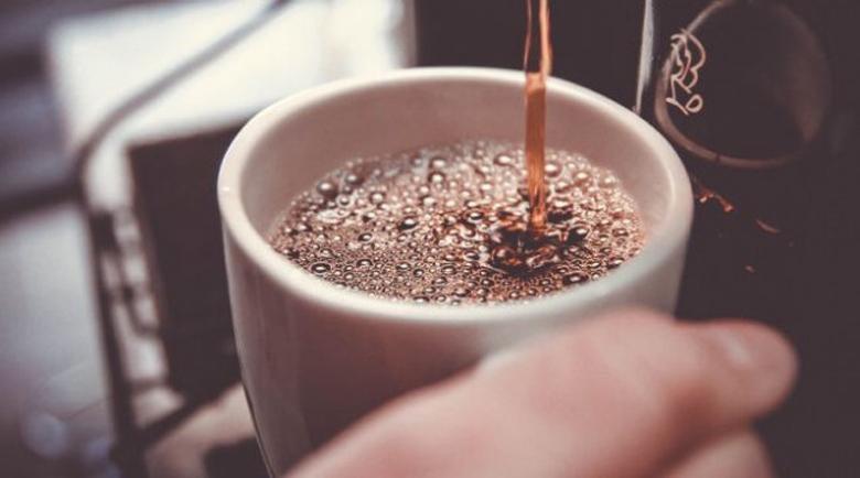 Спрете кафето и захарта, за да видите тези огромни промени в тялото