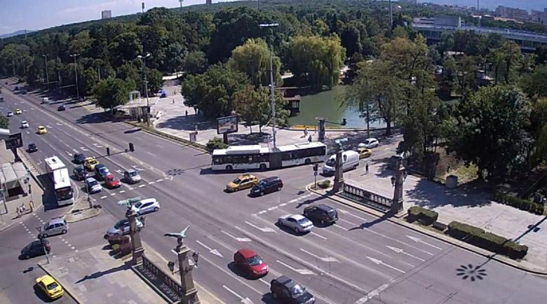 Биг брадър: Общинските камери в София стават част от системата на КАТ