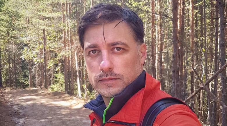 Родопчани дариха Владо Карамазов със зимнина