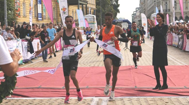 Мароканци си поделиха победата в Софийския маратон с рекорд