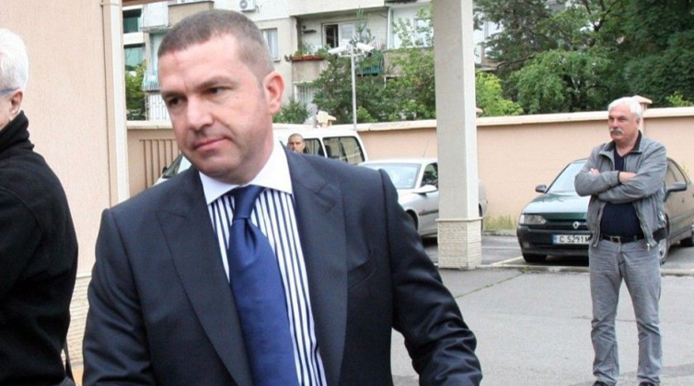 Адвокат Менко Менков глобен с 600 лева за висока скорост