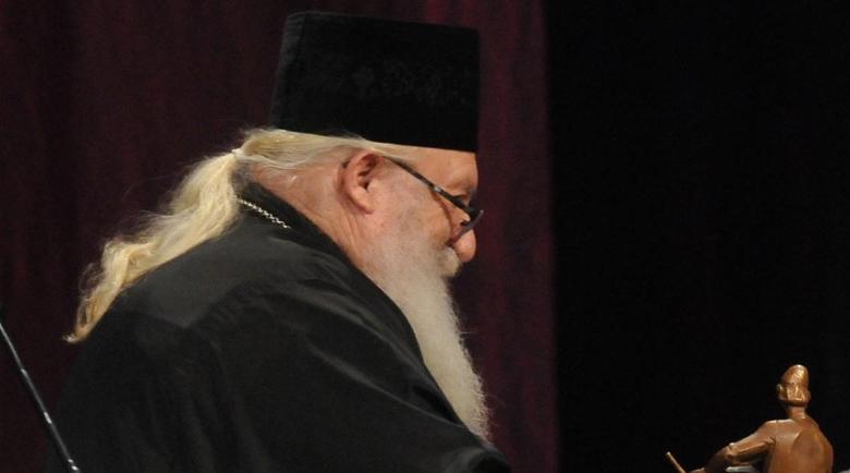 Добрина: Съдии даряват дрехи и обувки на приюта на отец Иван