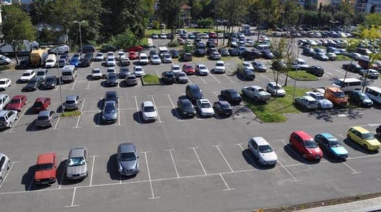 """След бунт: Спират строежa на нов паркинг за 150 коли в """"Надежда"""""""