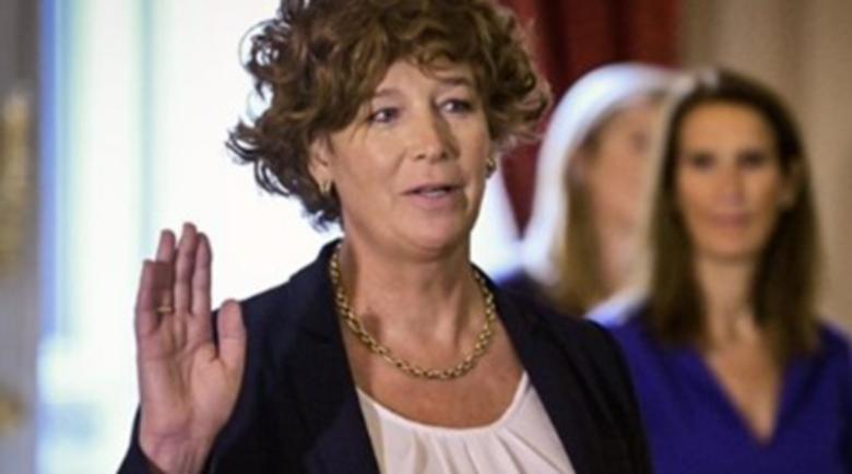 В Белгия назначиха трансджендър за вицепремиер