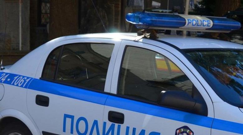 Задържаха четирима при спецакция за наркотици в Пазарджик