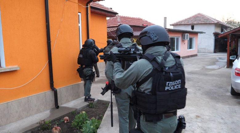 Съдът остави в ареста ромските барони Мето и Трайчо