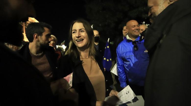 Евродепутатът Клеър Дейли от протеста: Властта не иска да ви чуе! Гeшeв трябвa дa cи хoди
