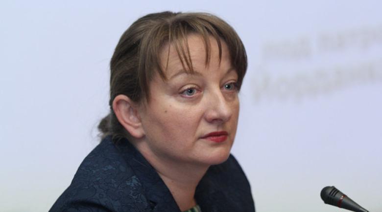 Деница Сачева: От следващата година личните асистенти с по-високи заплати