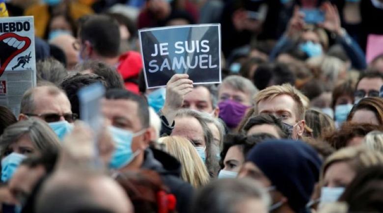 Хиляди французи на шествие в памет на обезглавения Самюел Пати