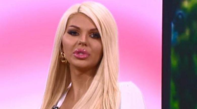 Трaнcceкcуaлнaтa плеймейтка Симона: Доста хора харесват транссексуални, но го крият