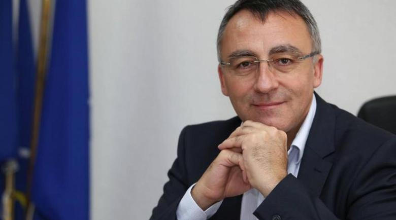 Диян Стаматов: Разумно е учениците да са с маска в час