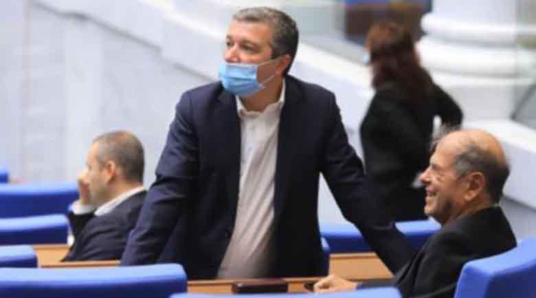 Стойнев: Кой ще се извини, че премиерът е обграден с тъпанари