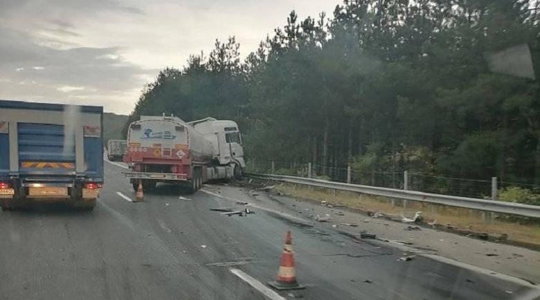 """Тежка катастрофа запуши магистрала """"Тракия"""" при 52-и км"""