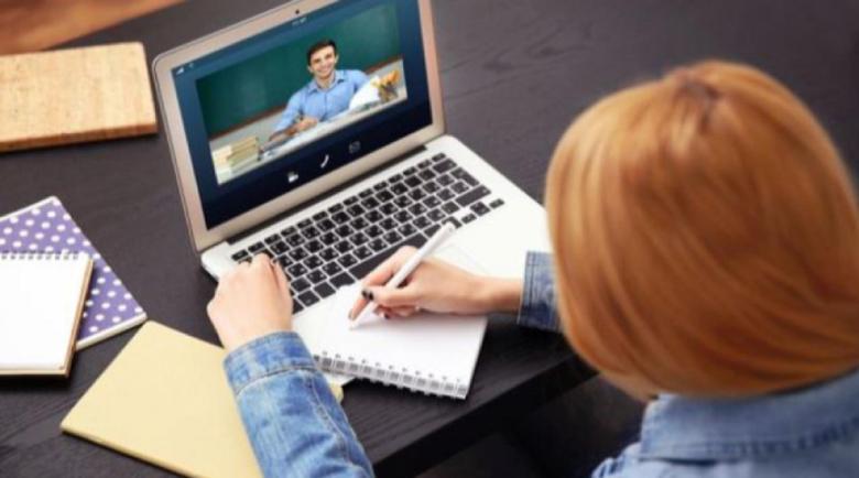Училището минава на онлайн обучение при 20% болни от грип