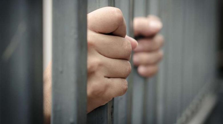 Затворник: Ще умра от зловещ тумор, шефовете дремят (Снимка 18+)