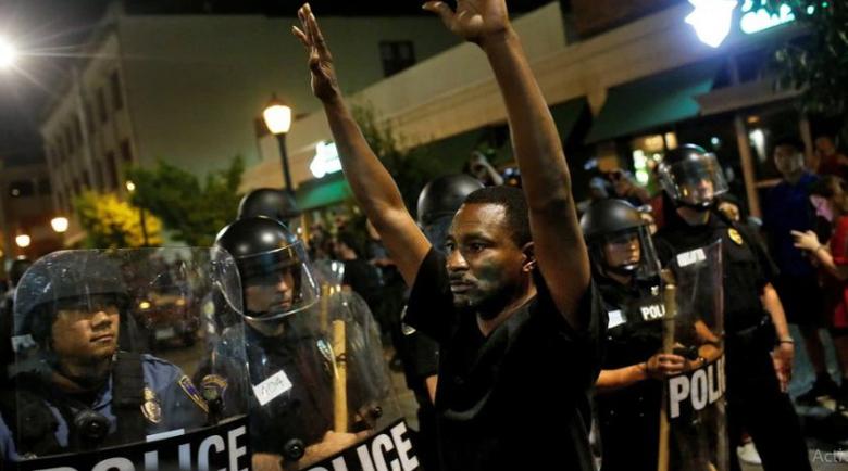 """""""Блумбърг"""" предсказва: Вълна от COVID бунтове и революции"""