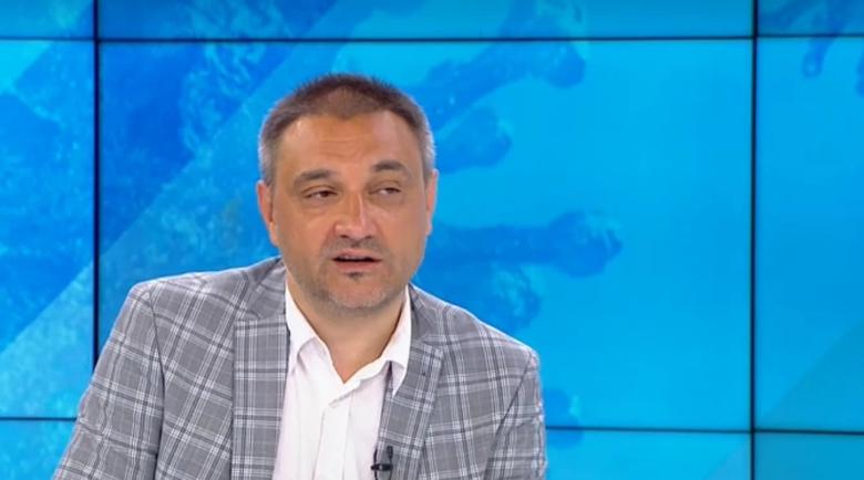 Проф. Чорбанов: Няма как да се скрием от вируса, ограниченията няма да имат ефект