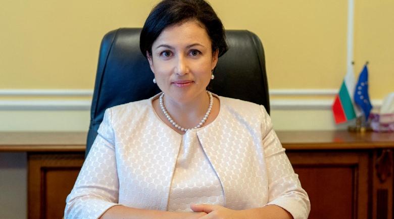 Десислава Танева: До края на годината ще бъдат изплатени 1.1 млрд. лв. на всички стопани