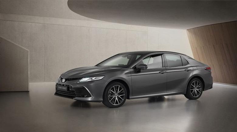 Toyota Camry Hybrid предлага по-динамичен дизайн